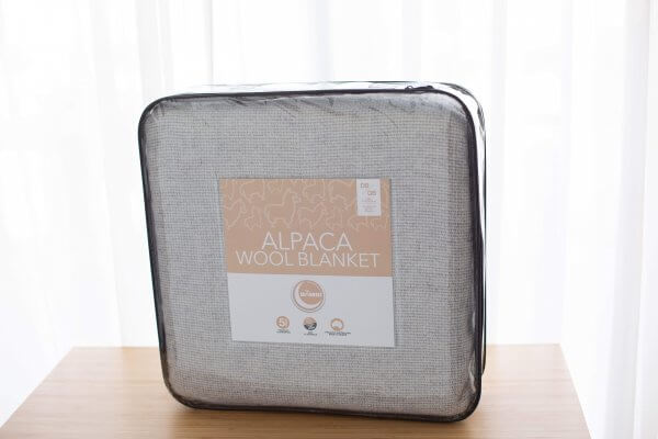 Alpaca Wool Blanket packaging