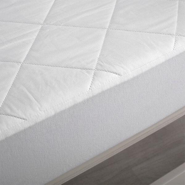 Basics Cotton Mattress Protector white